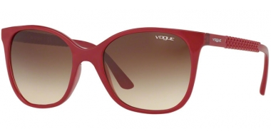 Sunglasses - Vogue - VO5032S - 247013 TOP RED TRANSPARENT RED // BROWN GRADIENT