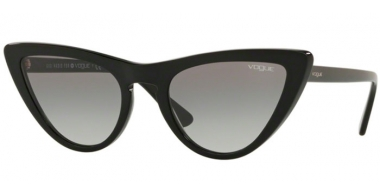 Sunglasses - Vogue - VO5211S BY GIGI HADID - W44/11 BLACK // GREY GRADIENT